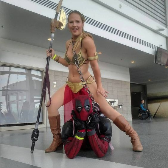 cosplay deadpool with princess leia
