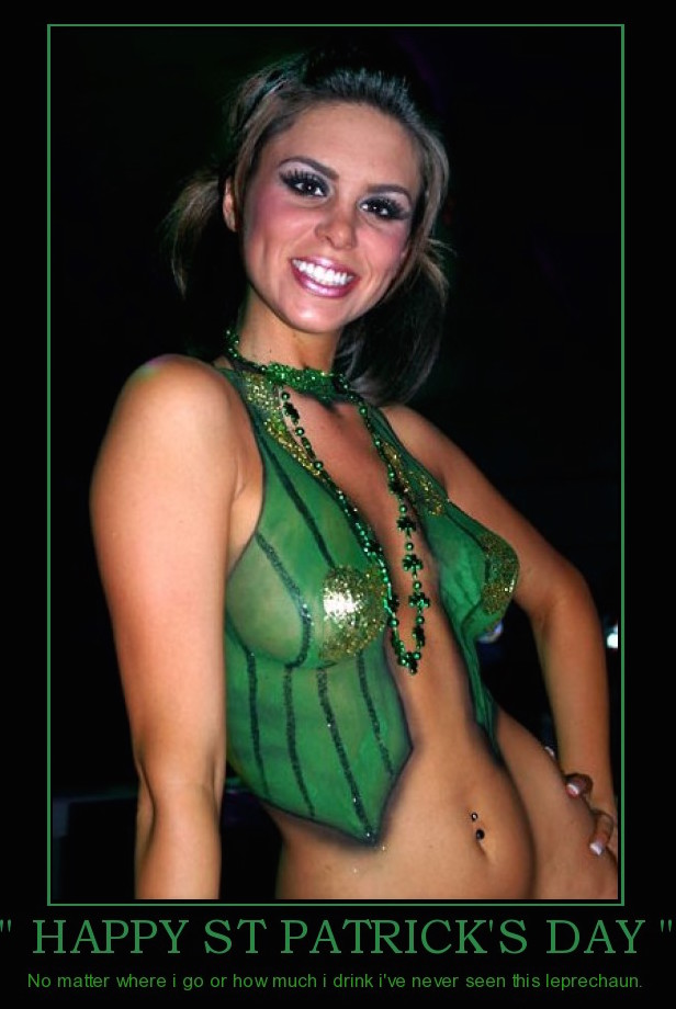 wow hot saint patrick's day babe with belly button piercing love