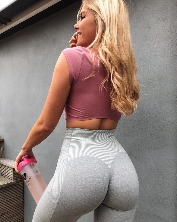 hot young blonde in yoga pants gray