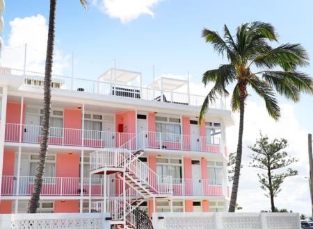 Pink Hotel Coolangatta_Gold Coast