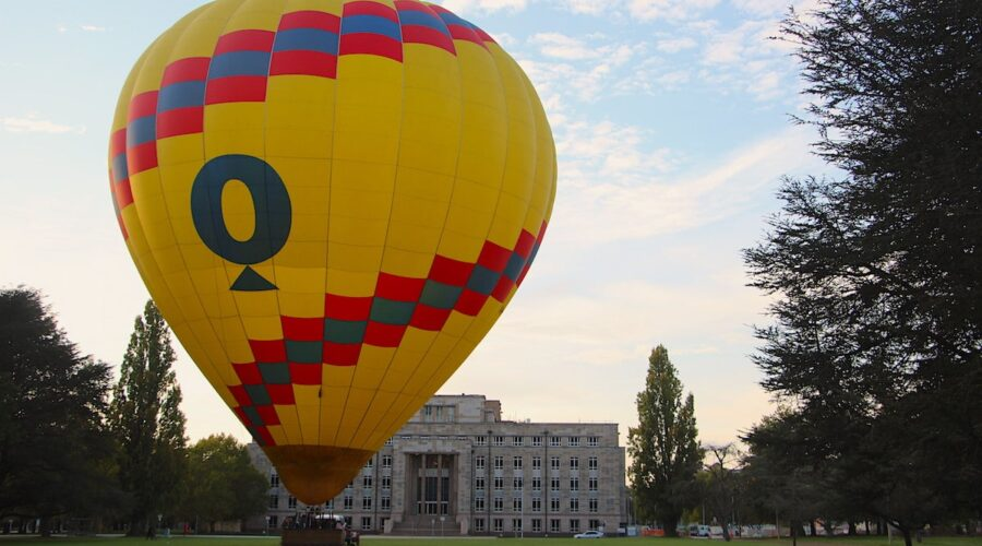 Balloon rides taking off in Canberra by Vintage Travel Kat