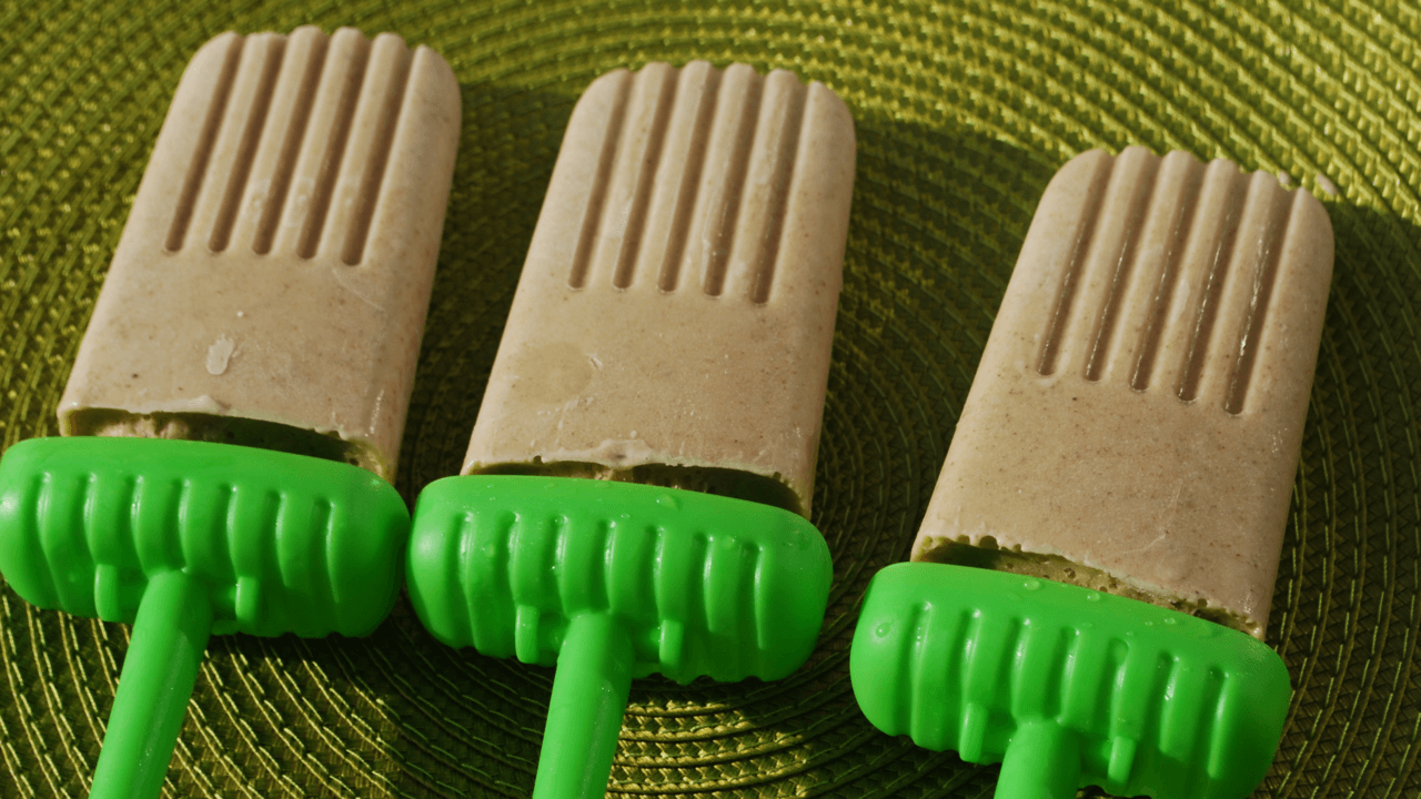 Peanut-Butter-Chocolate-Chip-Smoothie-Pops-Hero-1280x720.png