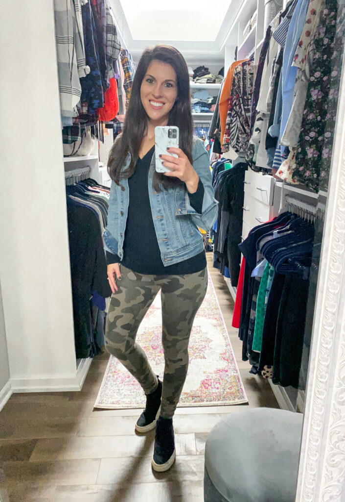 Camo_Leggings_With_Denim_Jacket_Casual_Outfit