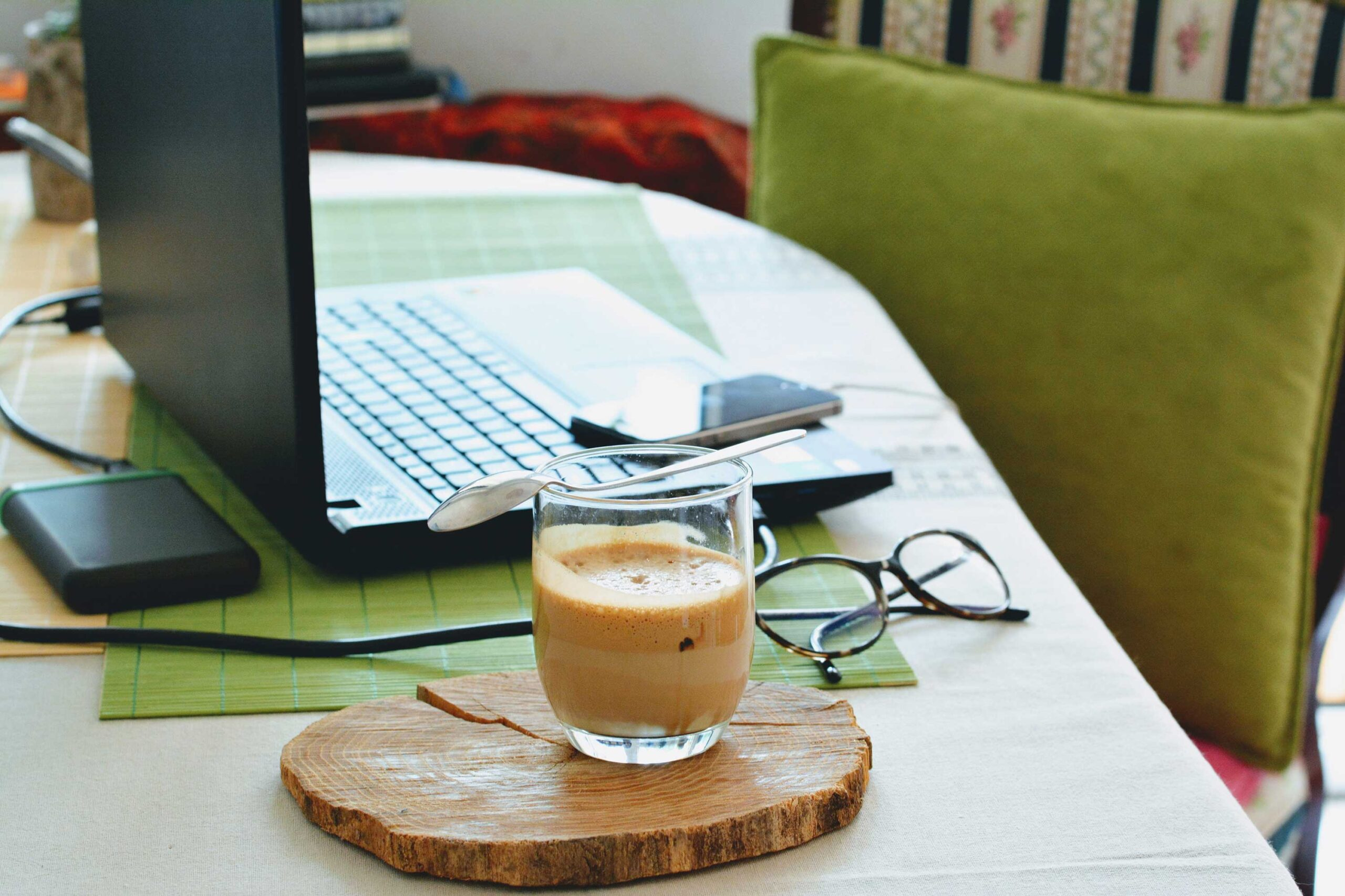 Practical tips for effectively working at home
