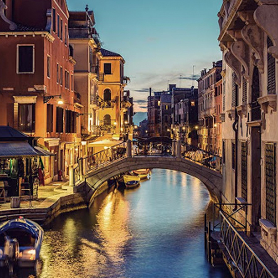 https://secureservercdn.net/198.71.233.206/xjk.2cd.myftpupload.com/wp-content/uploads/2018/09/venezia-home.jpg?time=1634514635