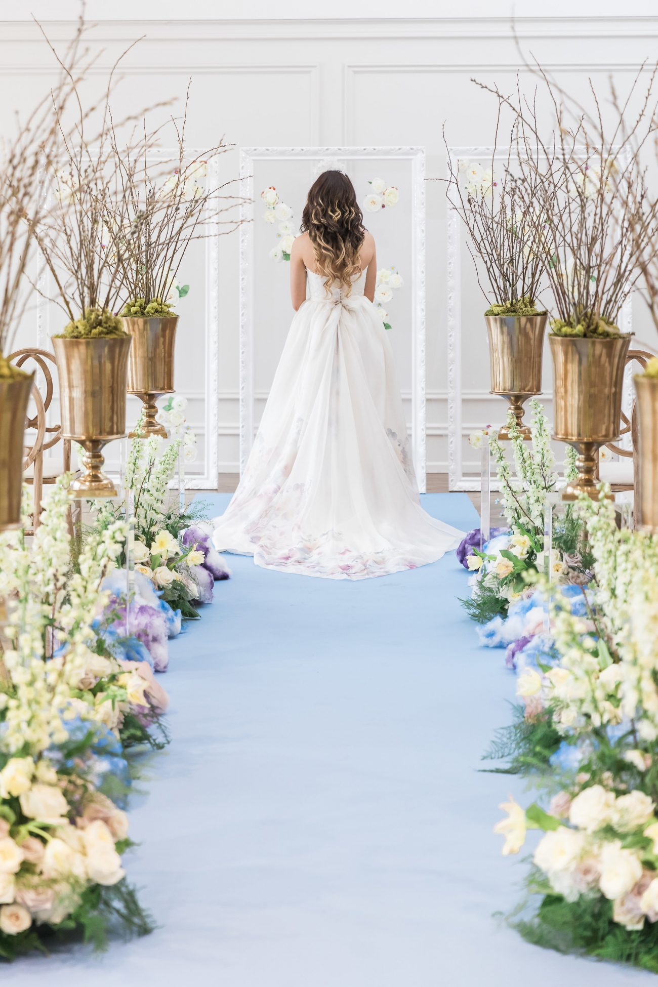 Heritage House blooms and blossom blue theme