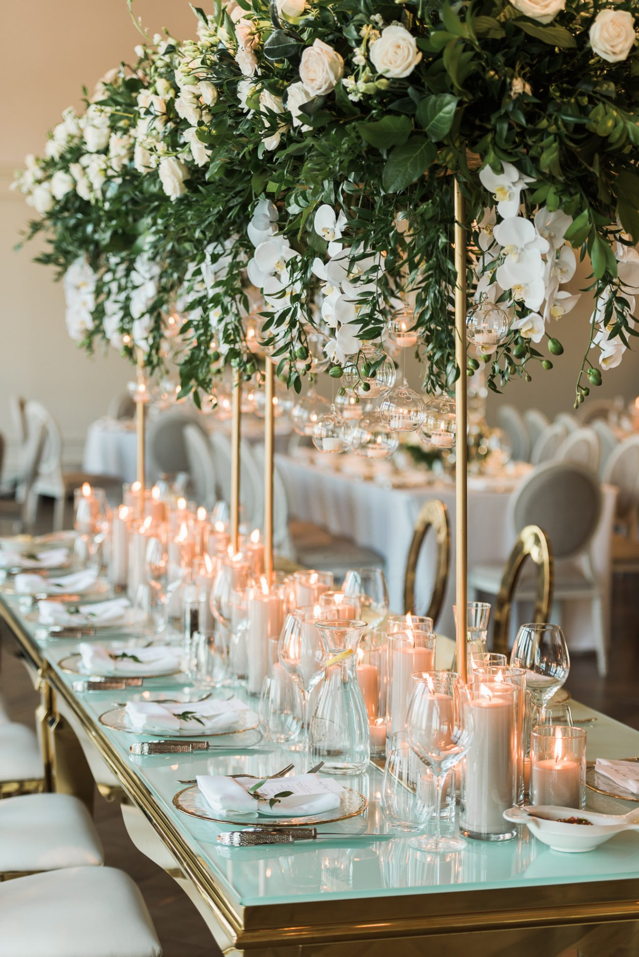 Roses with gold accent centrepieces