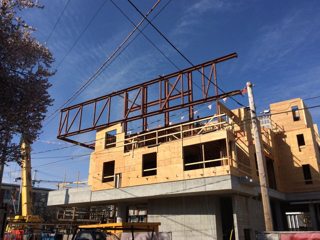 building-red-beams