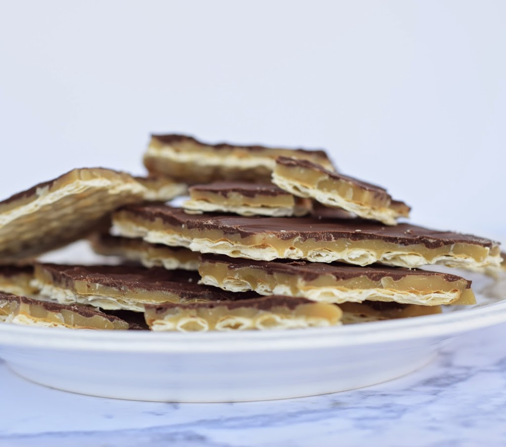 Easy Matzo Toffee Recipe