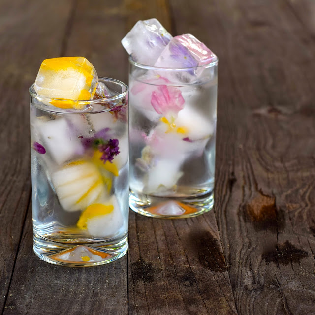 water with flower ice cubes
