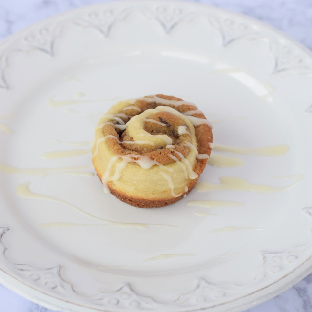 cinnamon rolls cookie dough