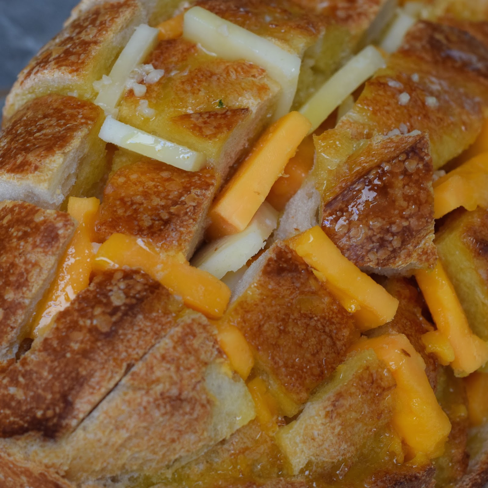 Public Lives: Bustle   Secret Recipes: Bloomin' Onion Cheesey Bread
