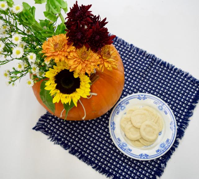 DIY Floral Thanksgiving Cookie Centerpiece