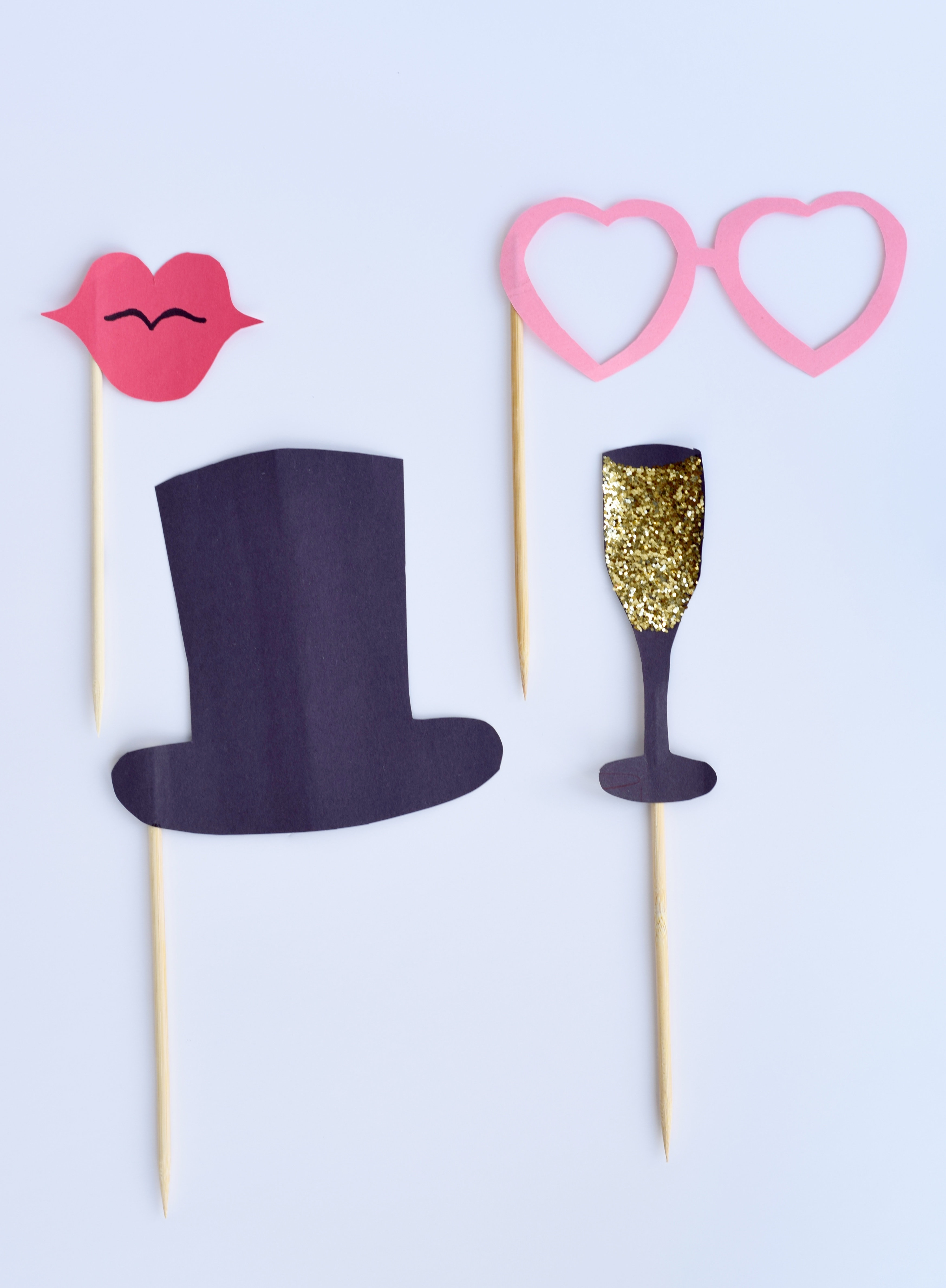 DIY NYE Photo Booth Props