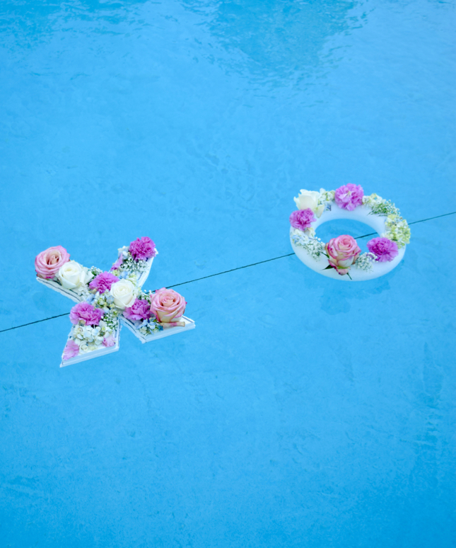 DIY Floating Flowers Pool