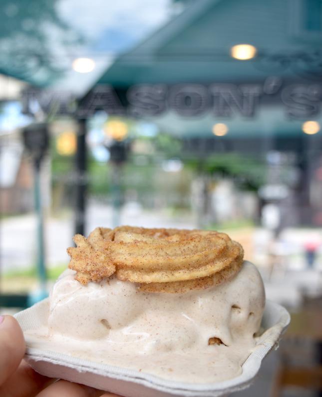 Mason's Creamery Churro Ice Cream
