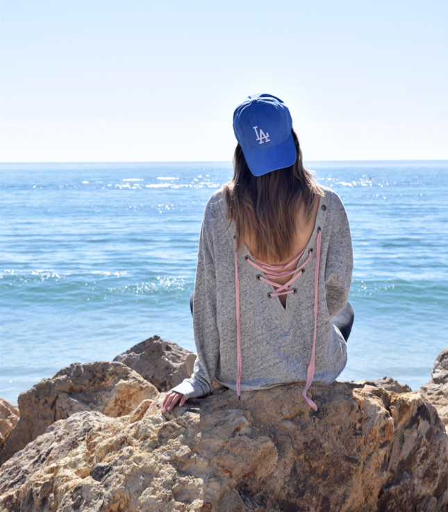 LA Fashion Blogger Wears New Abercrombie And Fitch Lace Up Sweatshirt