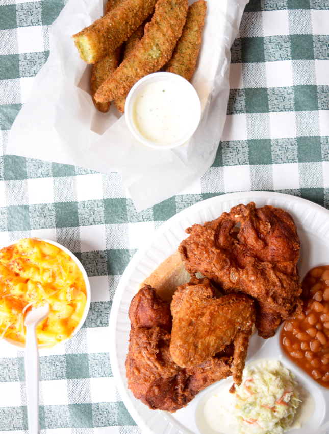 Gus's World Famous Fried Chicken Chicago Restaurant Review