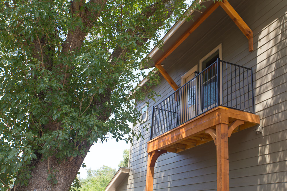 The Lodges at Parker's Pond Rental Property second floor balcony back
