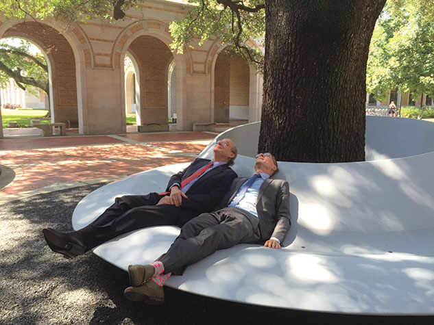 David Leebron and Charles Renfro '89 kick back on the SI and Susie Morris Lounge. Photo by Tami Lynn Andrew