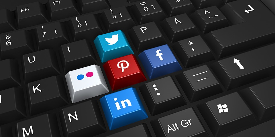 Social Media Branding for Programmers: Staying Credible in a Contaminated Virtual World