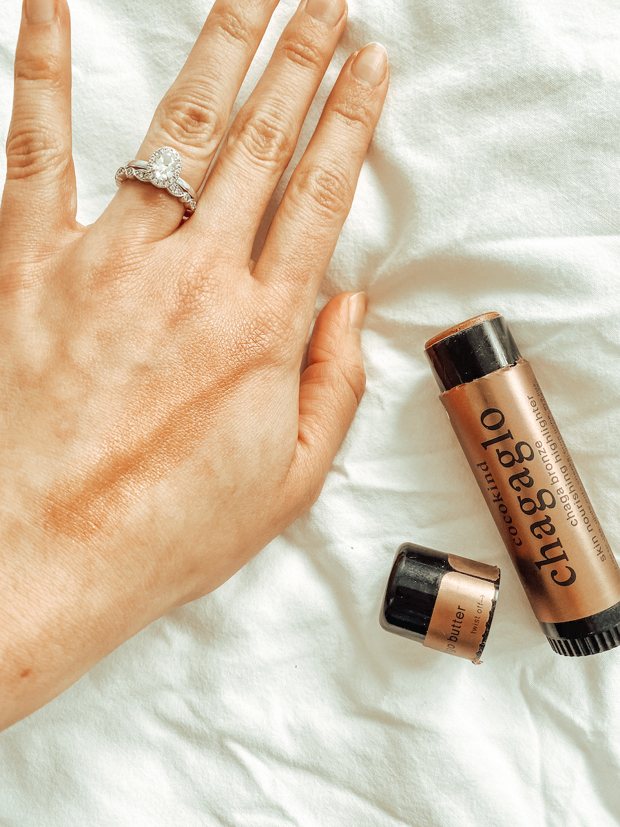Cocokind-Chagaglo-Bronze-Highlighter-Review-by-Uncover-the-Glow