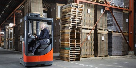 RFID Asset Tracking in the warehouse includes tracking tools, vehicles, and equipment.