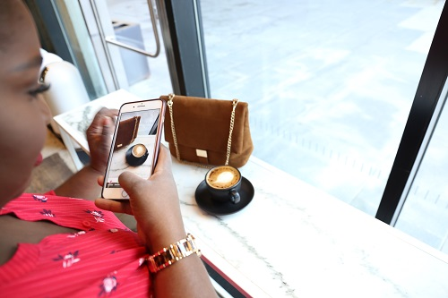 Here's How You Can Start A Fashion Blog This Year