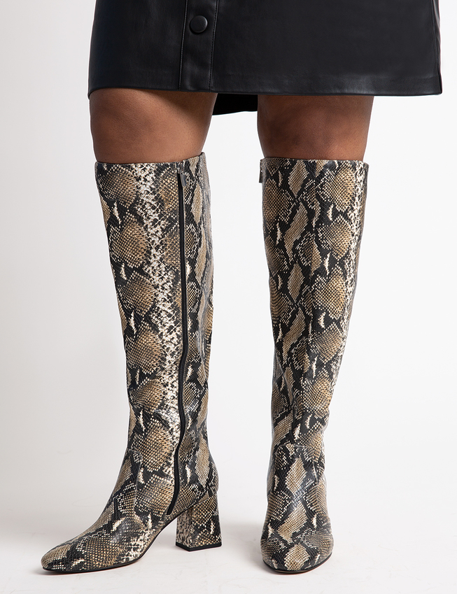 20 Pairs Of Wide Calf Boots That Don't Give Old Lady Vibes