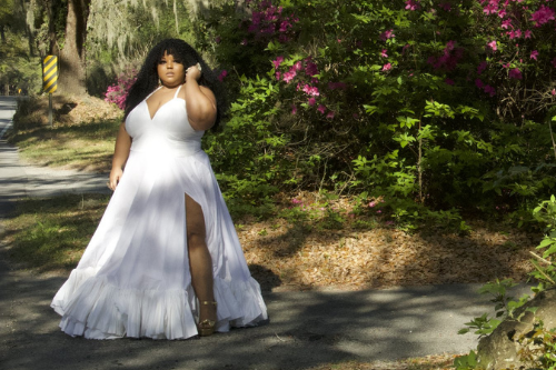 Plus Size Designer Courtney Noelle's Spring Collection Is A Cross Between Southern Belle & Chic New Yorker