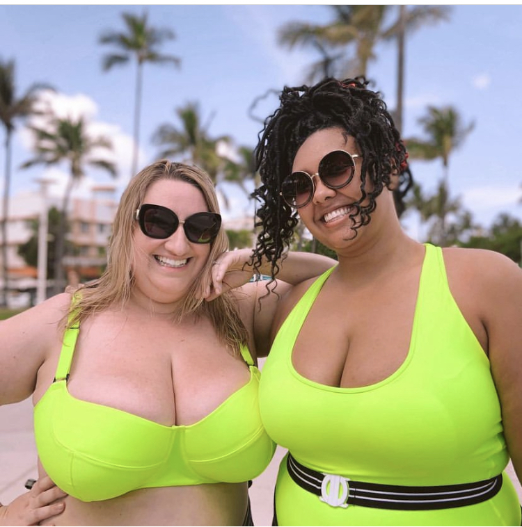 10 plus size sexy swimsuits that are flattering for different body types