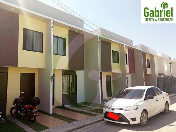 sunberry homes subdivision in lapu lapu w/ car port