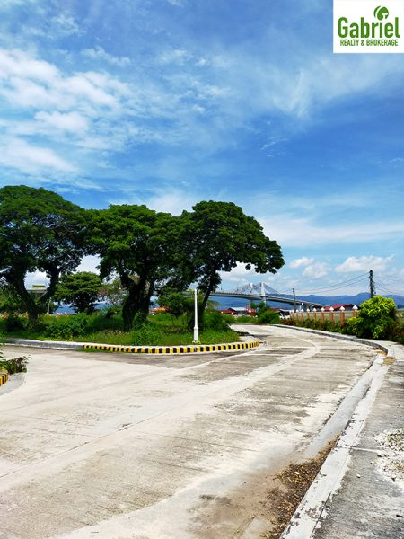 cemented roads and curves of valle verde cebu