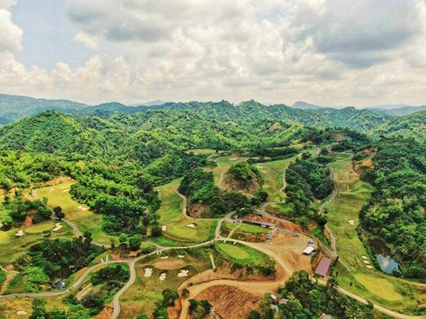 the 18-Hole Liloan Golf and Leisure Estates