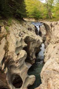 Carved bedrock of the Huntington Gorge