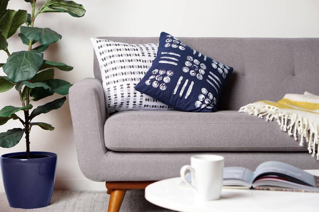 DIY Mudcloth Pillows: Modern Home Trend