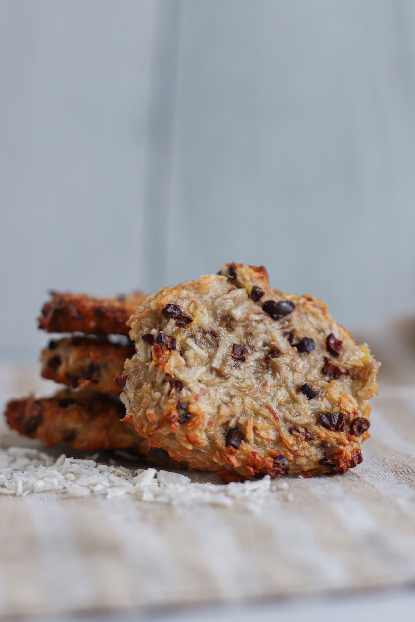 3 ingredient cookies healthy banana coconut chocolate the modern day girlfriend 3