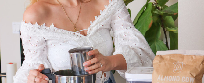 How To Make Your Own Almond Milk the modern day girlfriend