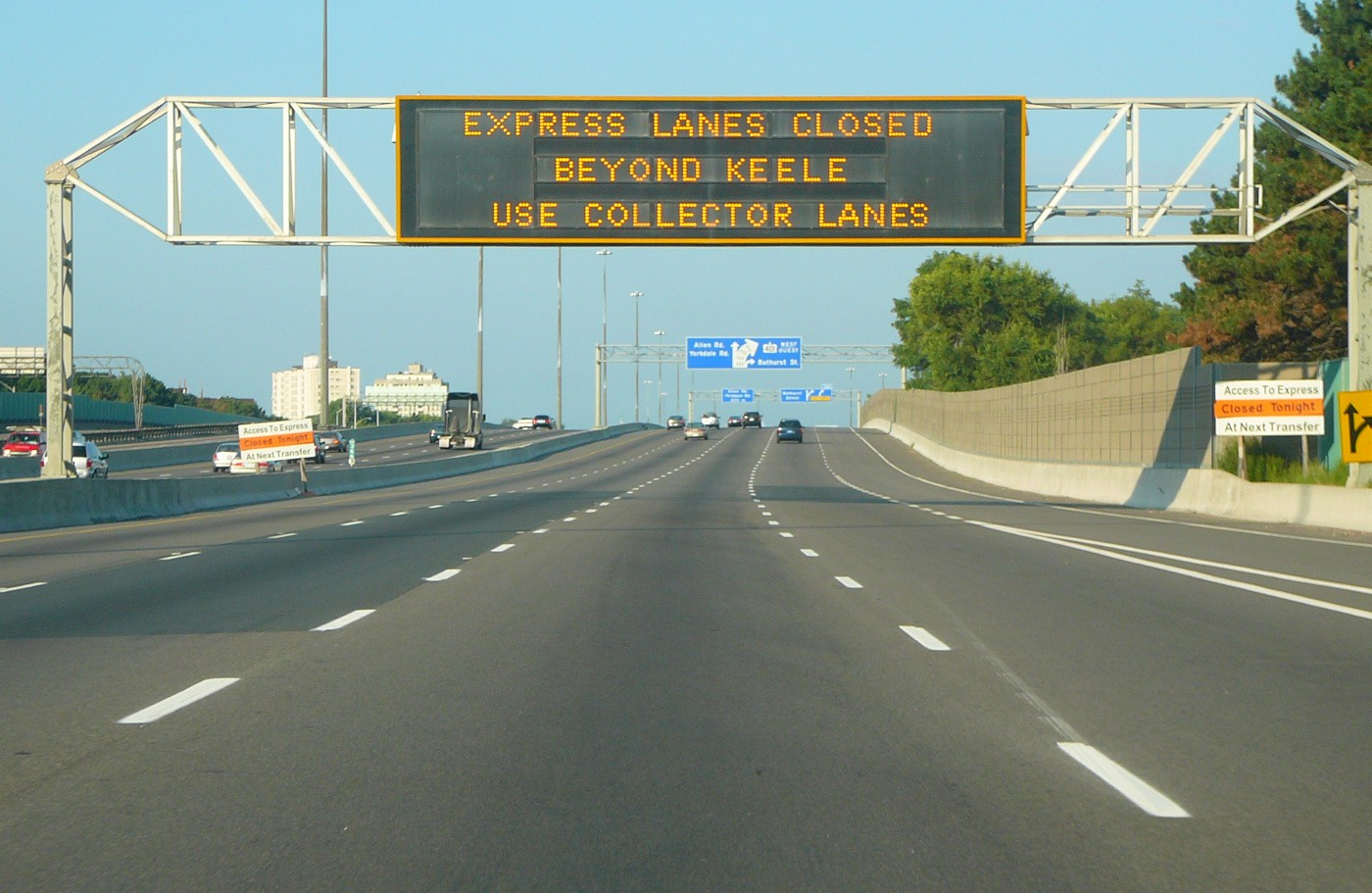 Express Lanes Closed Variable Message Sign