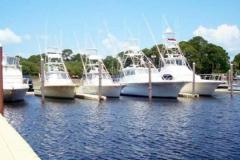 Commercial applicaton - marinas - large boat docked beside EZ Docks