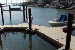 Using the Hex Dock you can turn corners with the EZ Dock system to accommodate waterfront property lines.