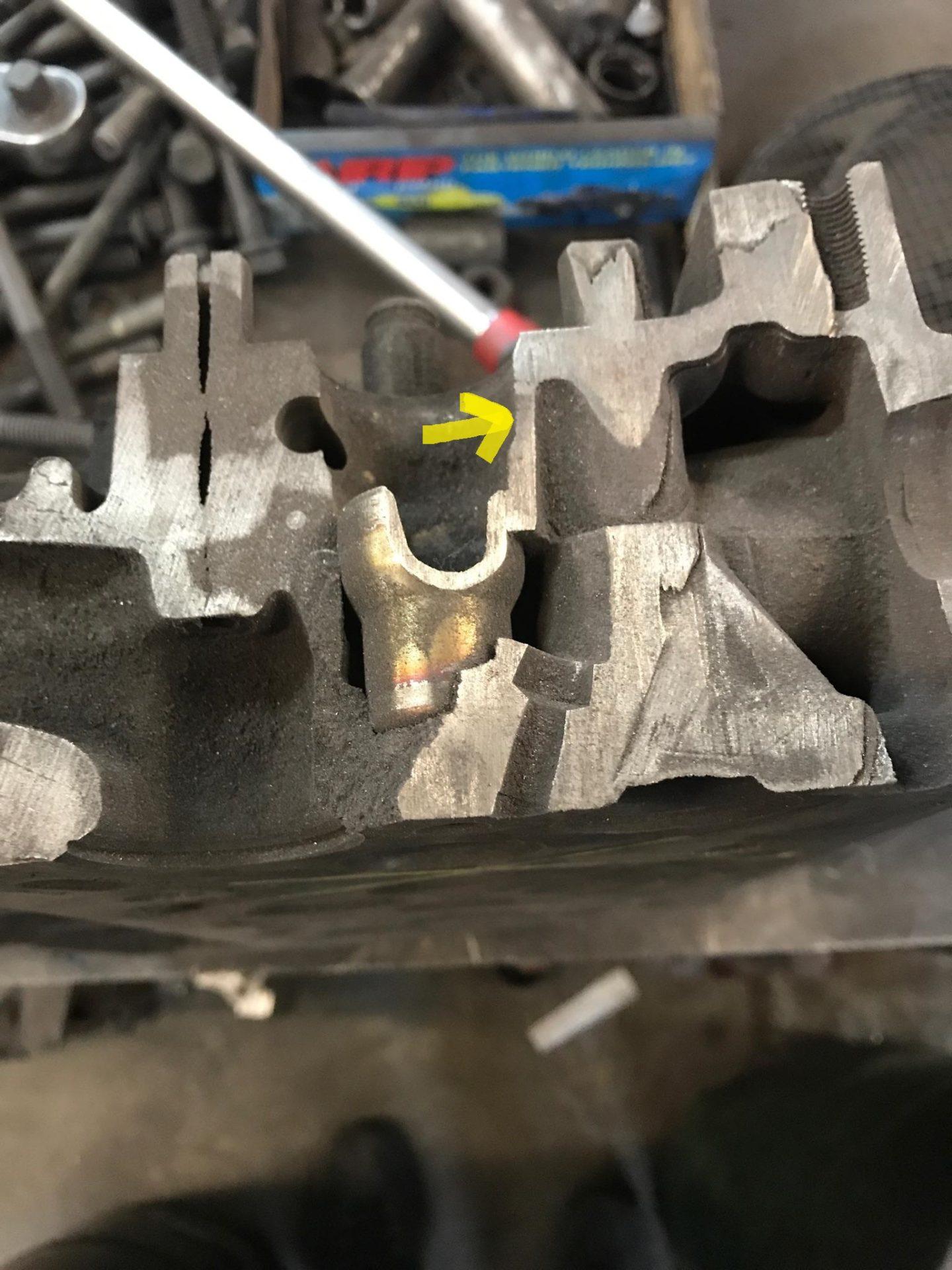 Cylinder head cut-away