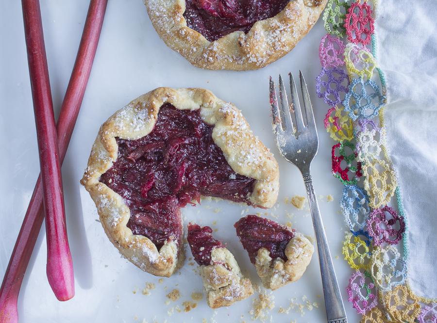 Rhubarb Tart ~ Shortbread Cookie Crust