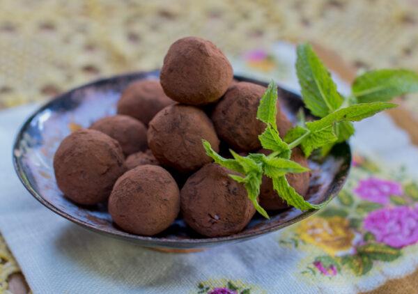 Fresh Mint Chocolate Truffles - Vegan