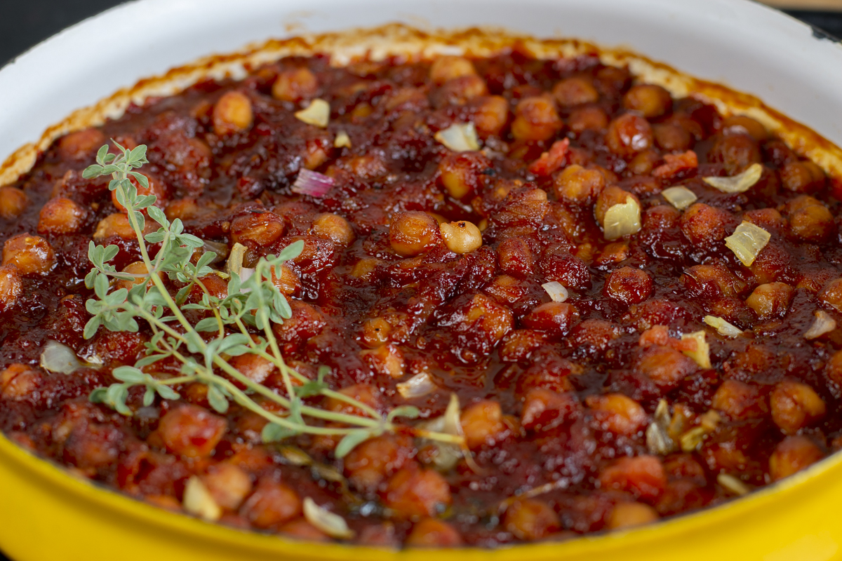"""Close-up: Chickpea """"Baked Beans"""" out of the oven"""
