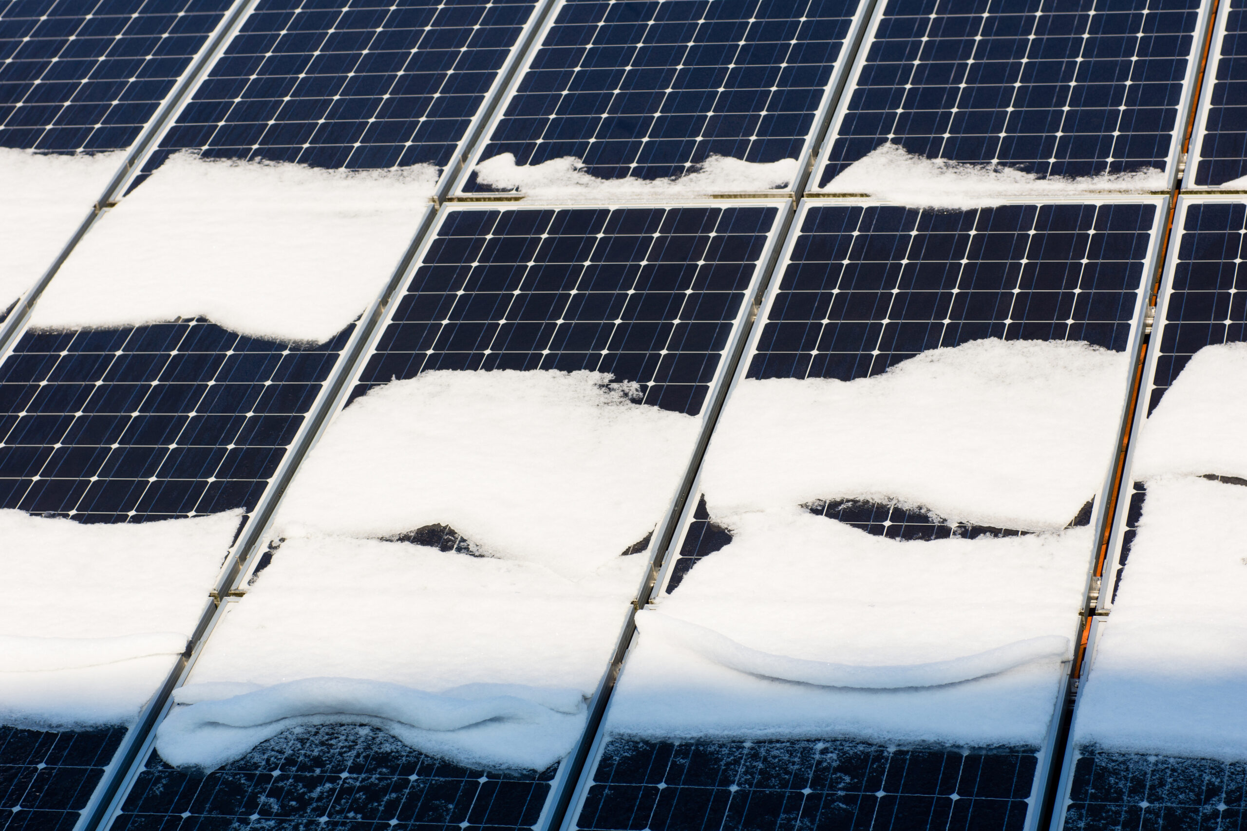 Do Solar Panels Work in the Winter