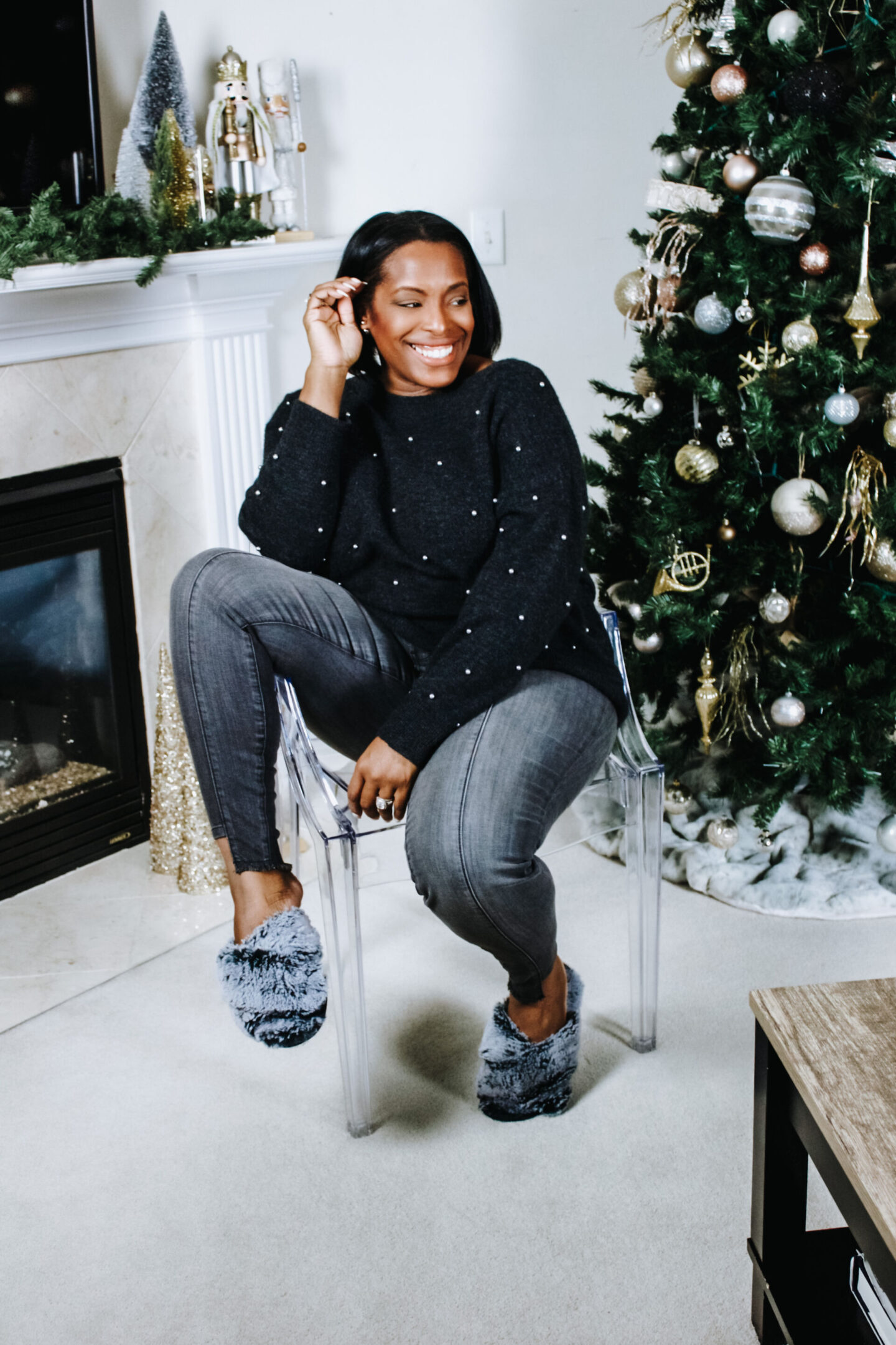 christmas grey sweater img1