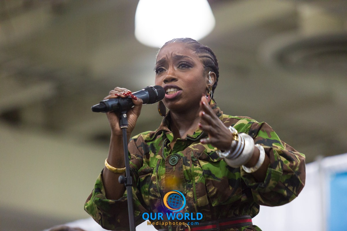 Estelle at Circle of Sisters 2017 Photo by: Joseph Swift