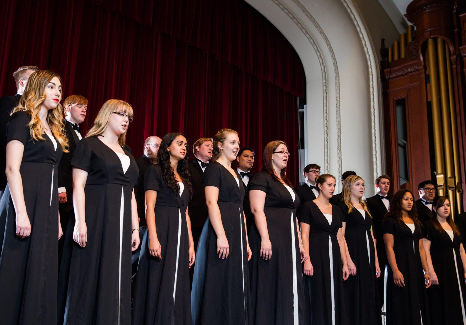 Madrigal Singers Fall 2015 3