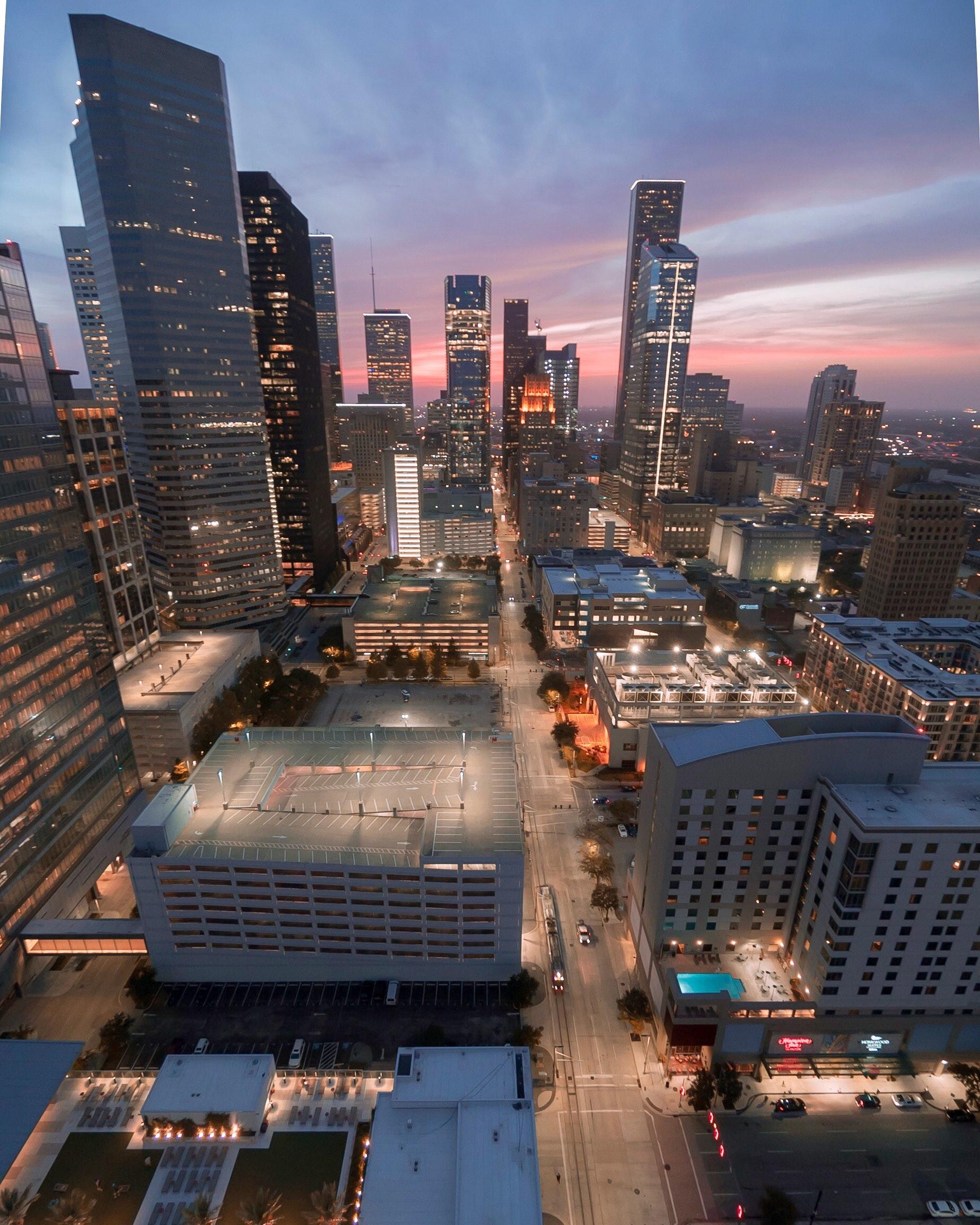 architecture-buildings-city-1314567